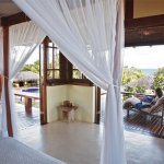 villa-bedroom-and-deck